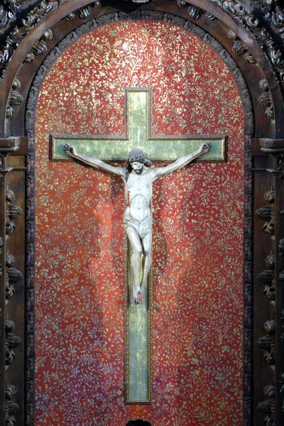 A. Cristo crucificado.