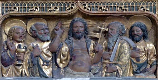 A.- Cristo resucitado rodeado de San Juan, San Pedro, San Pablo y San Mateo.