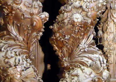Retablo Mayor de Santiago Apóstol (Ermua) columnas