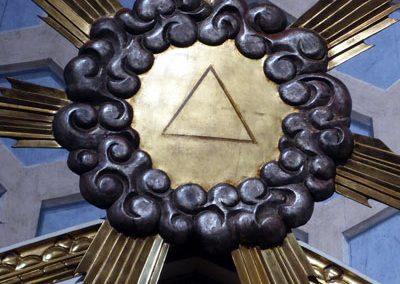 Retablo de la Inmaculada (Bermeo) triangulo